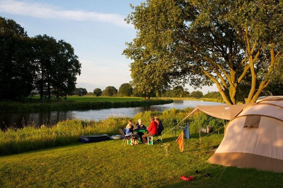 Les meilleurs campings près de lacs et rivières en France