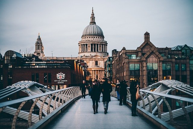 French moving to London? Things to know before you leave